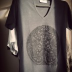t shirt ethnique gris
