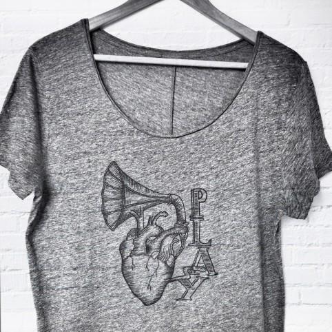 T shirt play